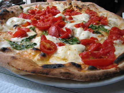Pizza-with-fresh-tomatoes43