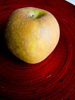 Schrambling_golden russet apple-6071
