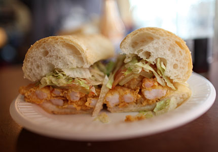 tracey's fried shrimp po'boy