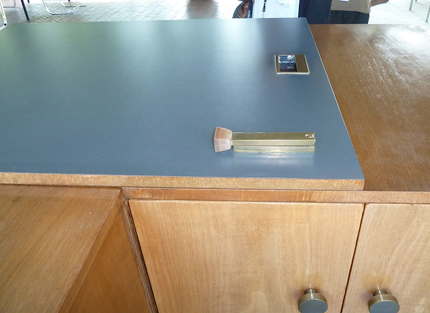 Glass-House-Countertop