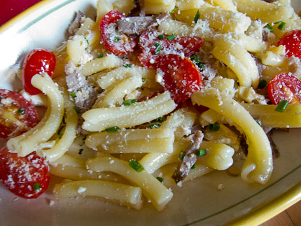 Schrambling_turkish pasta with walnuts and cheese-3649