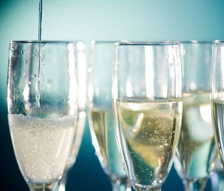 Champagne-sparkling-wine-food-pairings-epicurious