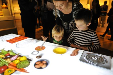 Amnh-global-kitchen-interactive-stove