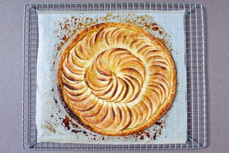 Chocolate-zucchini-caramelized-apple-tart