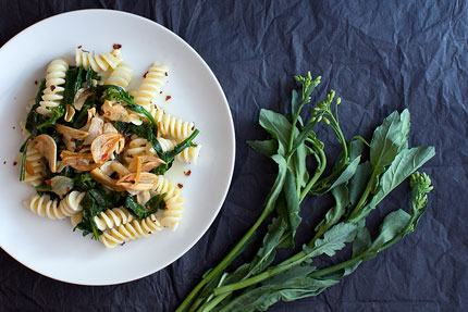 Broccoli-Rabe-Pasta-with-Golden-Garlic