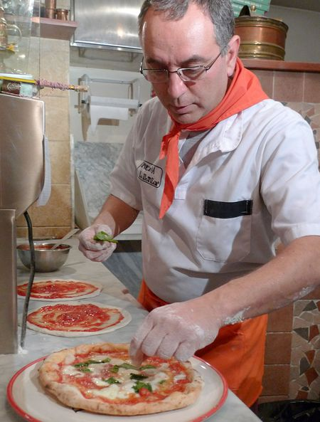 Naples-pizza-maker-800