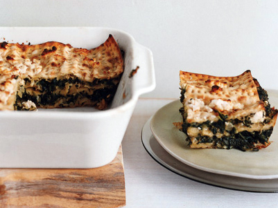 Spinach matzo pie