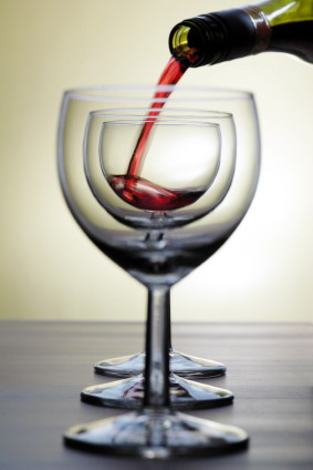 Wine_glasses_in_a_line_seethrough_3