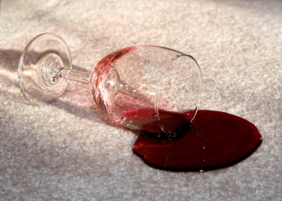 Wine_on_white_carpet