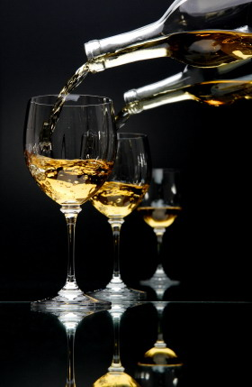 White_wine_multiple_pours